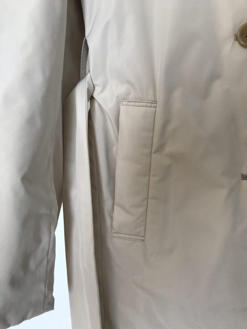ドゥクラッセ・マジカルサーモコート【商品番号 18718 マジカルサーモ・リバーシブルトレンチ】のポケットとベルトの画像